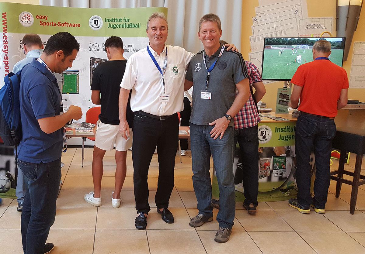 Frank Wormuth (DFB Trainer und Chefausbilder Fußbal-Lehrer/Leiter der Hennes-Weisweiler-Akademie hier mit Peter Schreiner