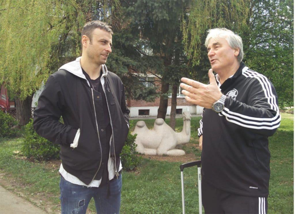 Letzter Erfahrungsaustausch vor der Abreise-Dimitar Berbatow und Peter Schreiner