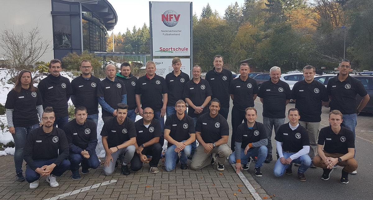 Teilnehmergruppe am Samstag in gesponsorten Derbystar Poloshirt