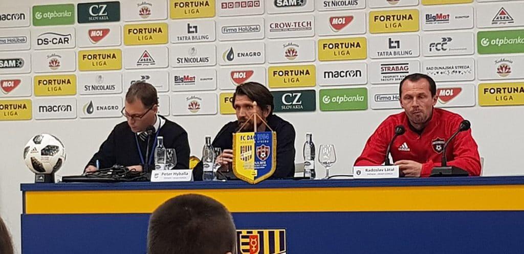 Peter Hyballa hier in der Pressekonferenz nach dem Spiel gegen Spartak.