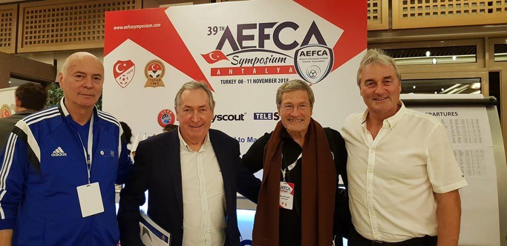 Dr. Yuri Nikolov (Chefausbilder in Bulgarien), Gerard Houllier, Walter Gagg und Peter Schreiner