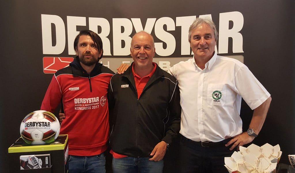 Joachim Böhmer (Derbystar), Peter Hyballa (Präsenter 2017) und Peter Schreiner (Kongressleitung)